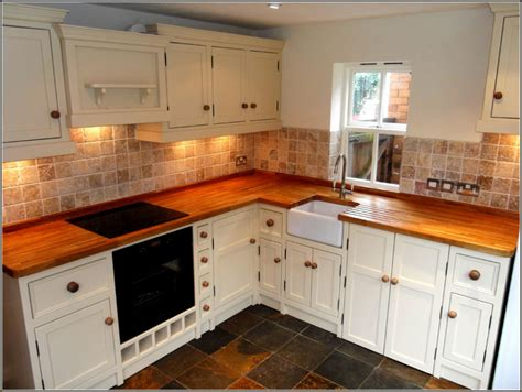 white pine kitchen cabinets how to paint pine kitchen cupboards mariaalcocer 1447