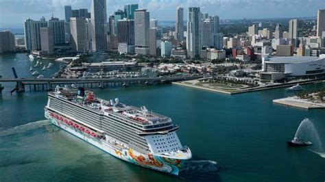 cruise lines rolling  room service upgrades
