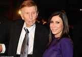 Sumner Redstone, ex CBS and Viacom chairman, dies at 97 ...