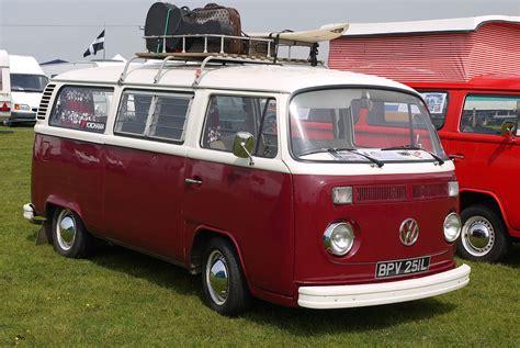 volkswagen van vw bus cer interior vw cer 1967 deluxe bus