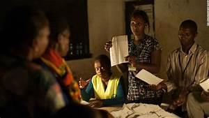 Uhuru Kenyatta takes early lead as Kenyan election results ...
