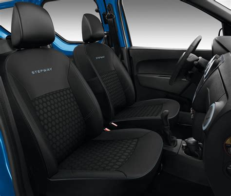 interieur dacia sandero stepway dacia zet succes voort met nieuwe versies en limited edition op autosalon parijs autoplus