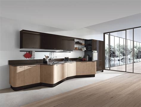 flagship showroom  italian kitchen cabinet