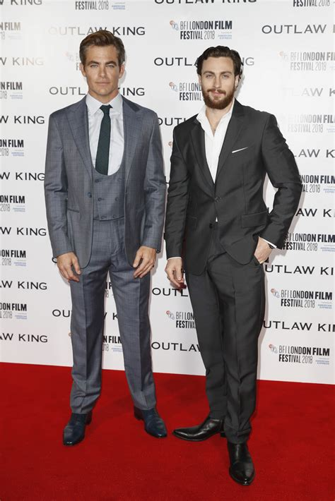 outlaw king european premiere whats   red carpet