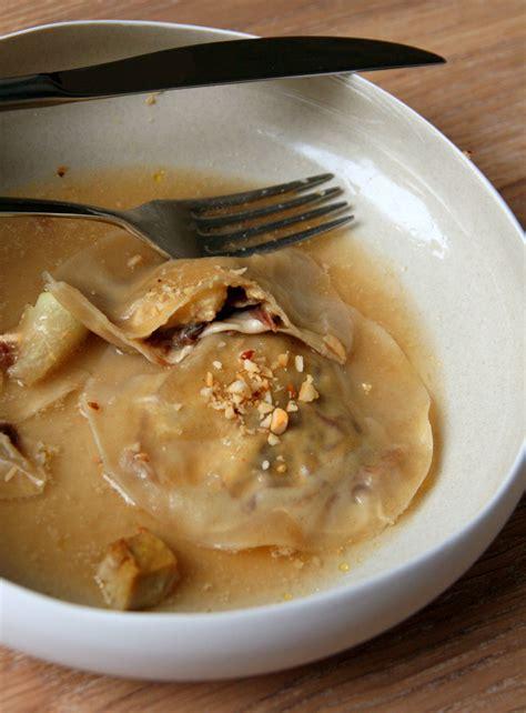 cuisiner confit de canard ravioles foie gras confit de canard et poire