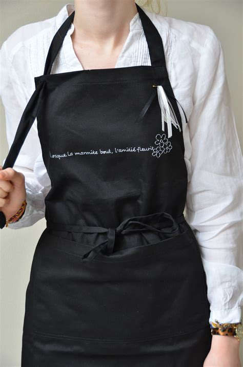 tablier cuisine noir tablier cuisine noir écriture argentée cuisine et
