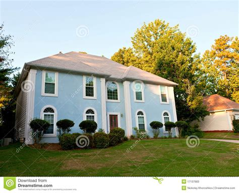 Typisches Amerikanisches Haus by Typisches Amerikanisches Haus Stockbild Bild Gras