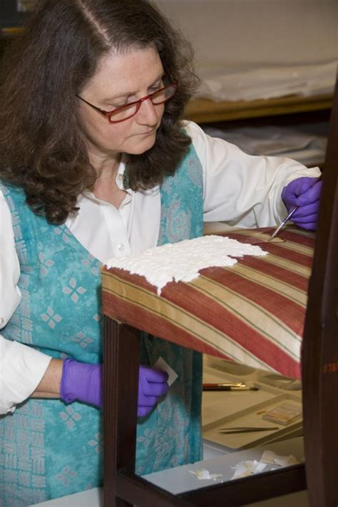 textile conservation winterthur museum garden library
