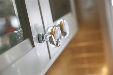 Kitchen Cabinet Doors With Knobs by Up Of The Georgetown Knob As Featured In