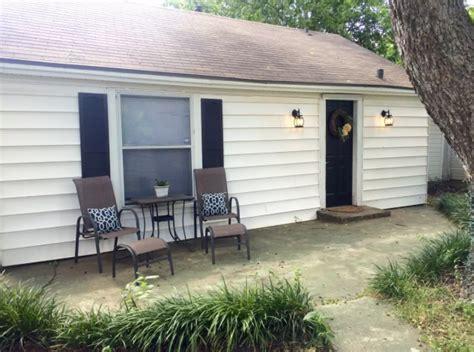 charming backyard bungalow waco the of