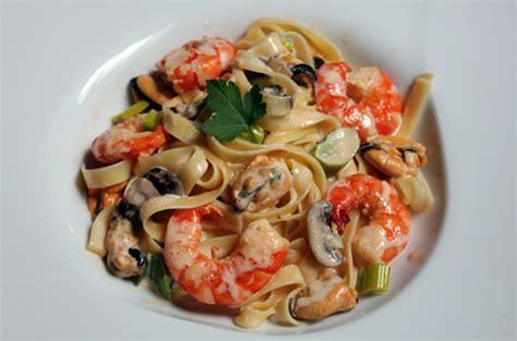 cours cuisine italienne tagliatelles aux fruits de mer et petits légumes