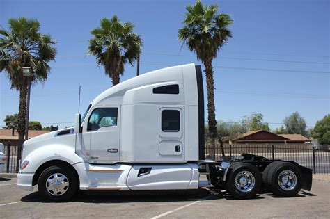 White Truck Wallpaper by Kenworth Wallpaper 73 Images