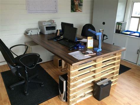 bureau palette bois bureau en bois 34 idées diy très cool en palette europe
