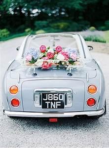 Deco voiture mariage retro classique romantique et chic for Salle de bain design avec décoration voiture invités mariage