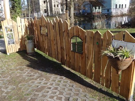 Der Garten Kunst by Malerei Holzskulpturen Collagen Bilder Gartenkunst