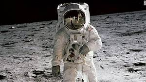 Neil Armstrong's widow finds moon artifacts in closet ...