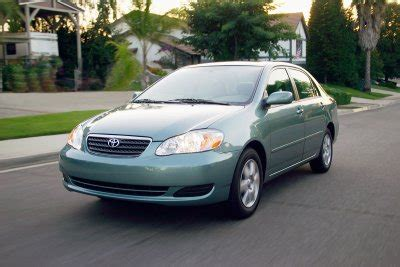 toyota corolla le review
