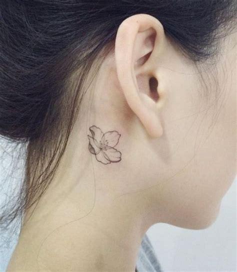 Tatouage Derrière L'oreille Lotus  20 Idées De Tatouages