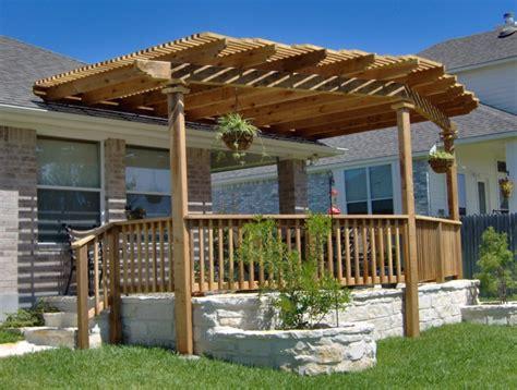 gartenhaus mit veranda auf der suche nach gemuetlichkeit