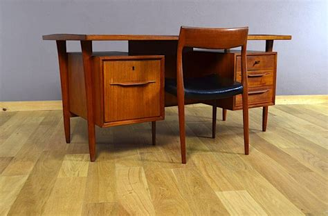 swiss bureau bureau design scandinave en teck swiss teak vintage 1960