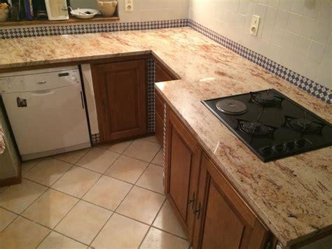 plan de cuisine granit cuisine en chne finition chaul et vernis plan de travail en granit plan
