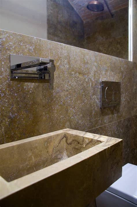 Lavabi Bagno Travertino Pietre Di Rapolano Scegliere Il Lavabo Questione Di Spazi Lavandino In Marmo