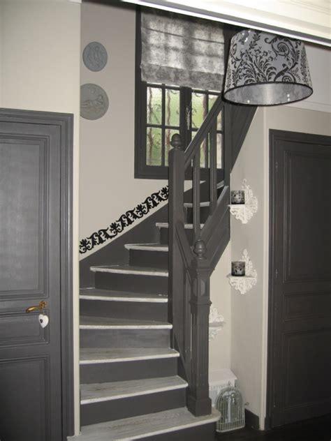 peinture couloir avec escalier d 233 co entree couloir escalier