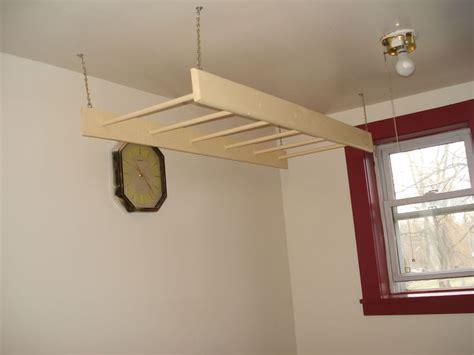 hanging clothes rack indoor