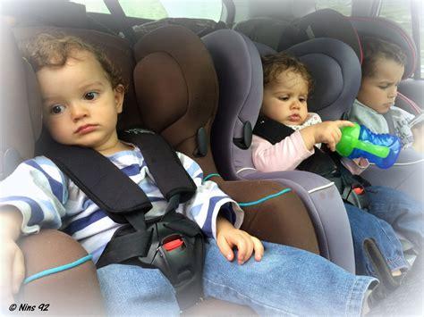 quelle voiture pour 3 sieges auto série oh vous avez des jumeaux mais comment faites