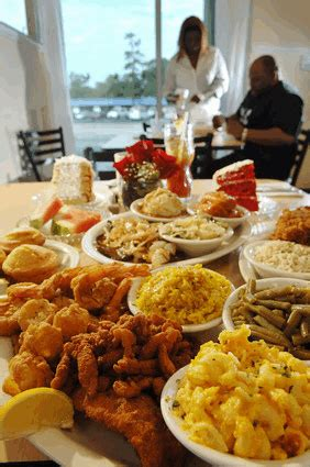 A southern christmas menu and collection of christmas recipes, all from deepsouthdish.com. Soul Food Kills - Part 2 at Articles Sharing, with image embedded, topic 1528800