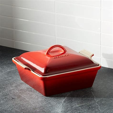 Le Creuset ® Heritage Covered Square Cerise Red Baking