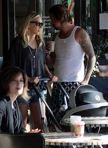 Kimberly Stewart And Baby Delilah Grab A Snack - Zimbio