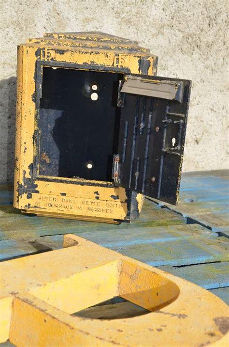 boite aux lettres vintage bo 238 te aux lettres vintage des postes 233 es 80 mobilier industriel mobilier puces priv 233 es