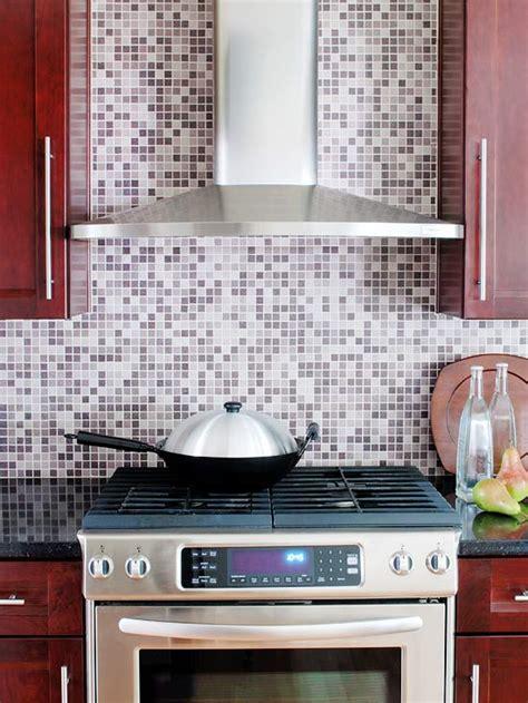purple backsplash kitchen 35 ideen f 252 r k 252 chenr 252 ckwand gestaltung fliesen glas stein 1679