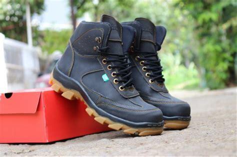 jual sepatu boots pria kickers safety sepatu proyek