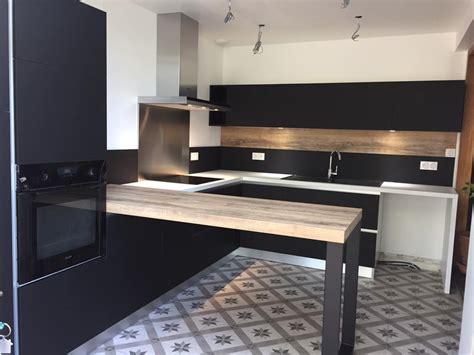 cuisine noir mat et bois cuisine noir mat cuisine moderne et design noir mat sans