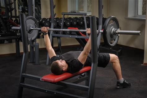 Starting Weight Bench Press by How To Start A Strength Building Routine Fitnessdeadline
