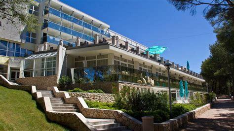 Family Hotel Vespera (mali Losinj) • Holidaycheck (kvarner. Vivanta By Taj - Connemara. Hillside Su Hotel. Luxury Townhouse On Anderson. Novotel Brighton Beach Hotel