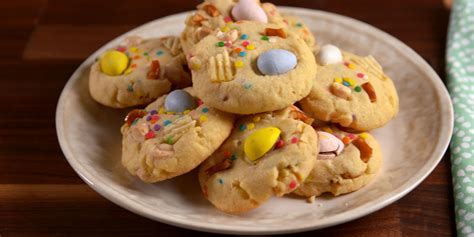 easy easter cookies  recipes  decorating