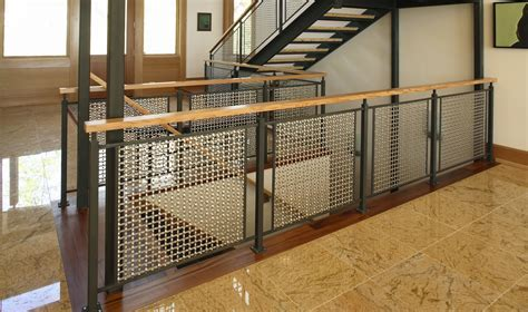 Lake Forest Residence Uses S 15 Flat Wire Woven Wire Mesh