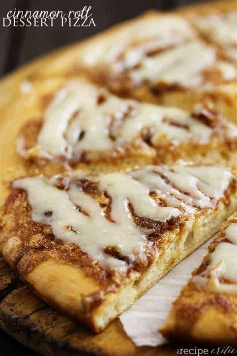 Cinnamon Roll Dessert Pizza | The Recipe Critic