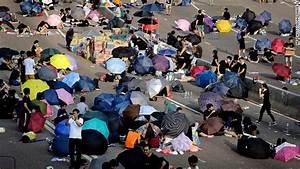 Hong Kong's leader to protesters: China won't back down ...