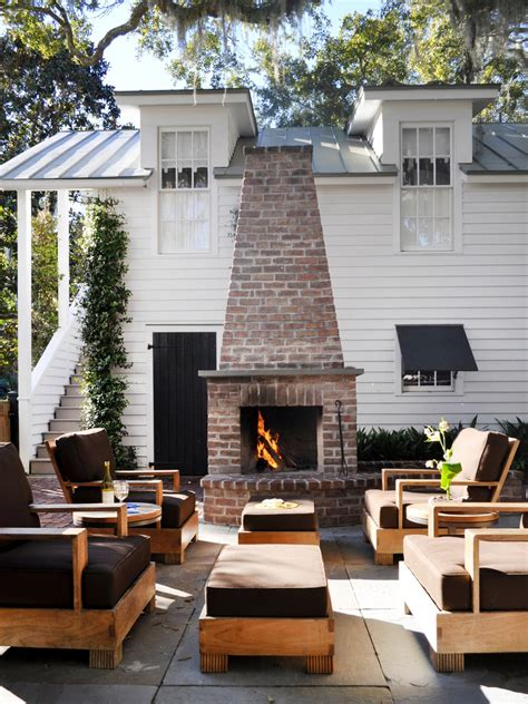 Diy Outdoor Fireplace Ideas Fire Pit And Brick In Seating