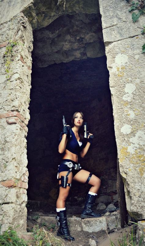 sexy pictures  lara croft gamers decide