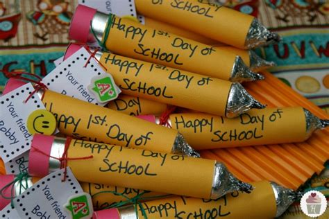 stepford 5 back to school crafts 511 | Back To School Pencil Craft.on .HoosierHomemade.com