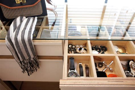 Walk In Closet Accessories by How To Design The Walk In Wardrobe Home Decor