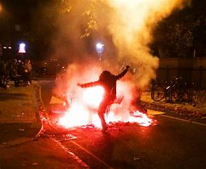 Illegal ravers attack London riot police in Lambeth ...