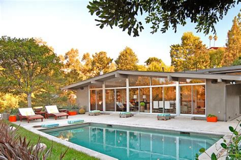 marvelous mid century swimming pools   summer season