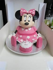 Minnie Mouse Cake - CakeCentral.com