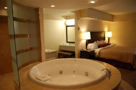 Jacuzzi Suite  Picture Of Travelodge Hotel Saskatoon. Solar Decorative Lights. Room Dividers Ideas. Rustic Home Decorating Ideas. Walnut Dining Room Chairs. Oval Dining Room Table Sets. Movie Theater Room. Decorative Contacts. African Wedding Decorations